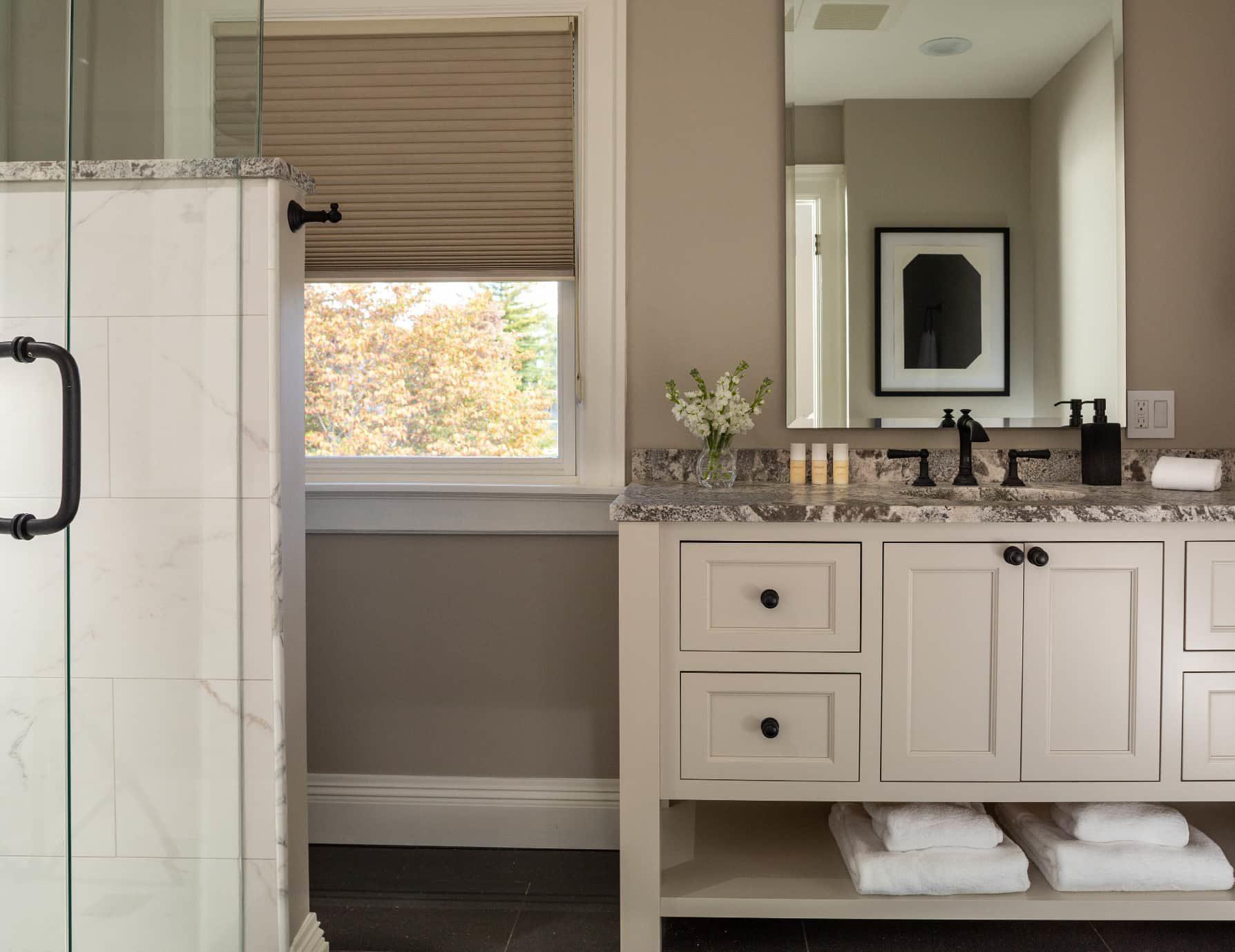 Wren Suite bathroom sink