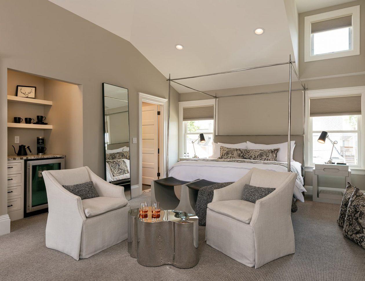 Wren Suite bed & seating